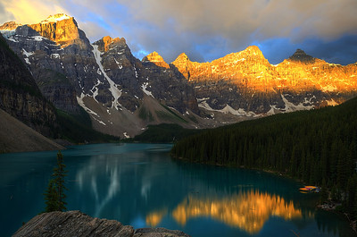 Early Morning Sunrise at Moraine Lake